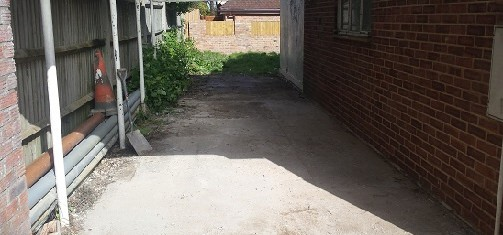 Clear driveway after rubbish removal